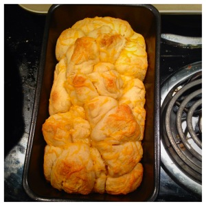 Pull Apart Garlic Cheese Bread